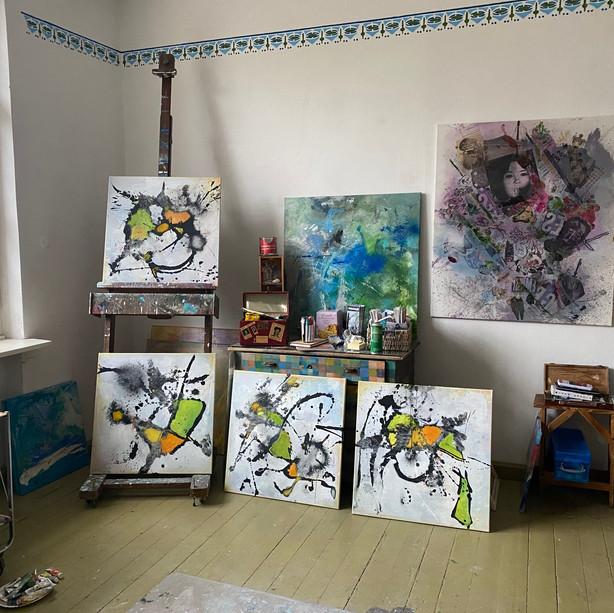 Joy (papillon I-IV) in studio