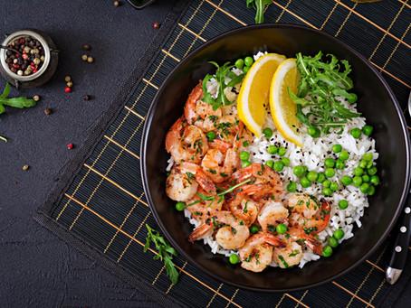 Γαρίδες µε ρύζι και αρακά