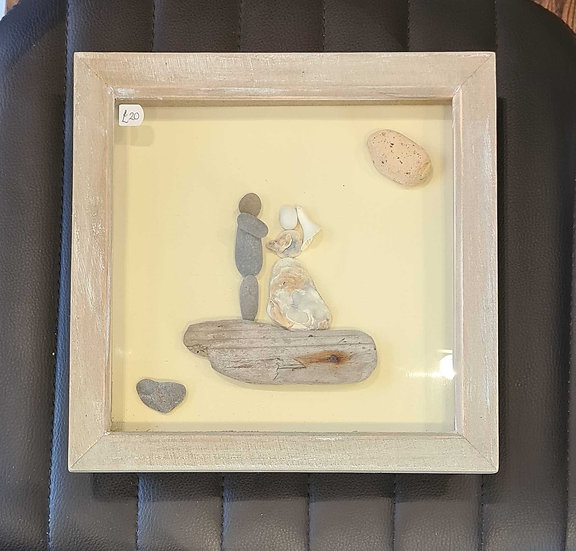 Wedding Couple Shell & Pebble Picture