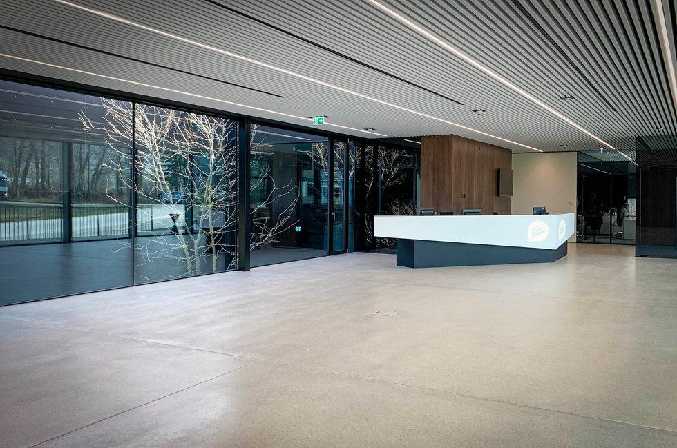 Waser_Gebaeude_Indoor_Empfang_mont_72dpi