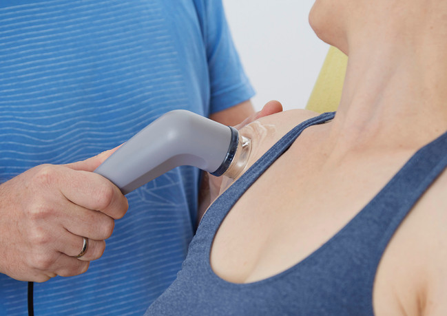 Ultraschallbehandlung der Schulter