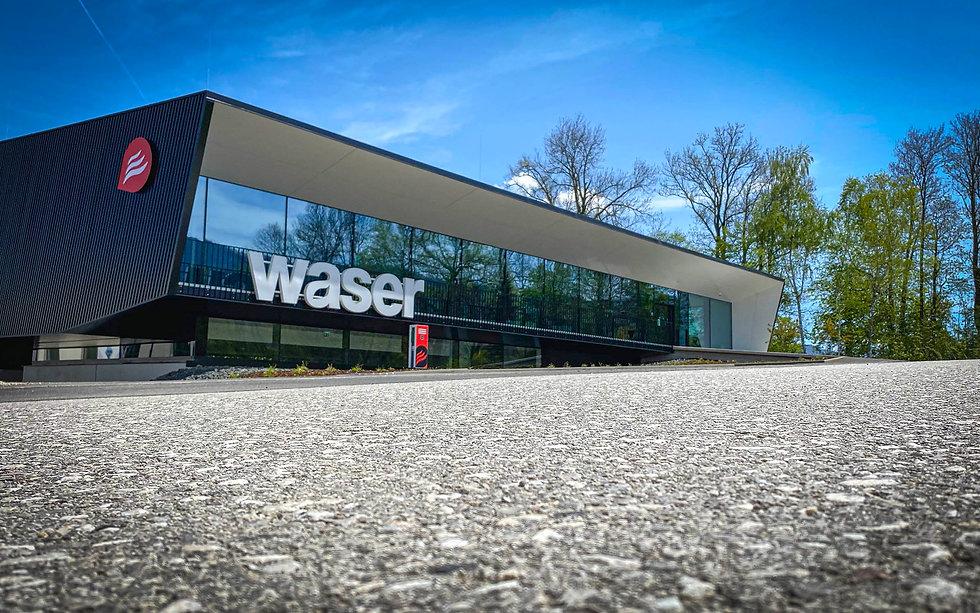 Waser_72dpi_IMG_1600.jpg