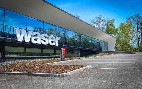 Waser_72dpi_IMG_1598.jpg