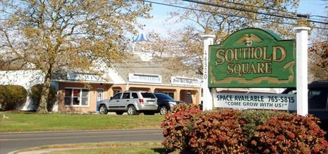 southold_square_1.jpg