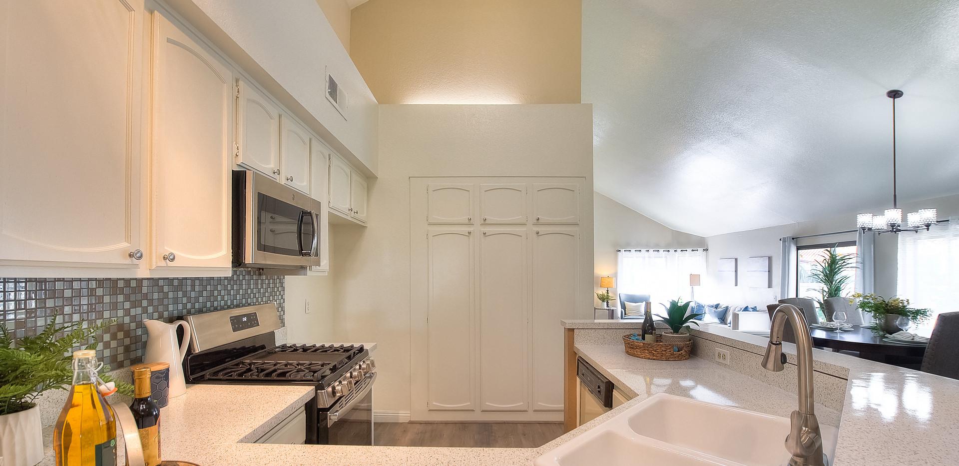 Kitchen (5 of 10).jpg