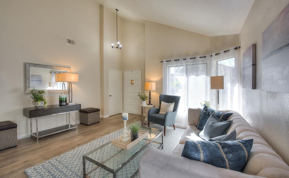 Living Room (9 of 9).jpg