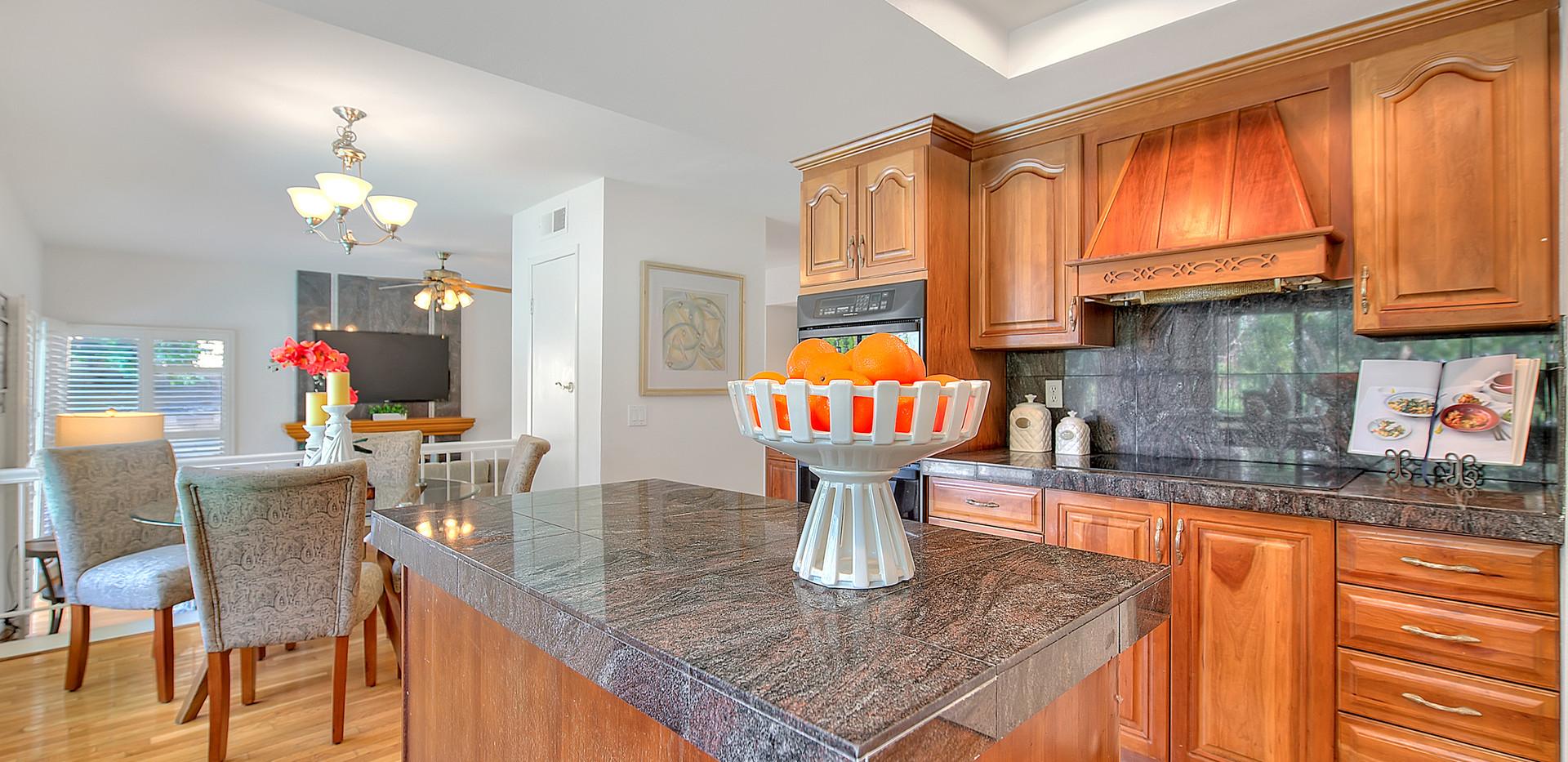 Kitchen (3 of 9).jpg