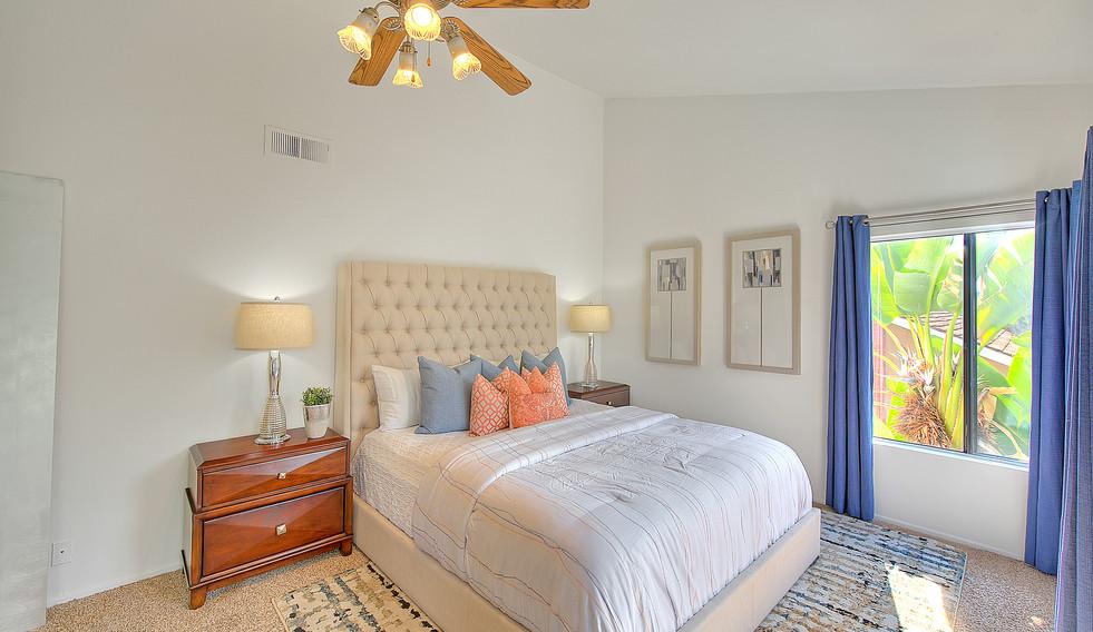 Master Bedroom (4 of 7).jpg