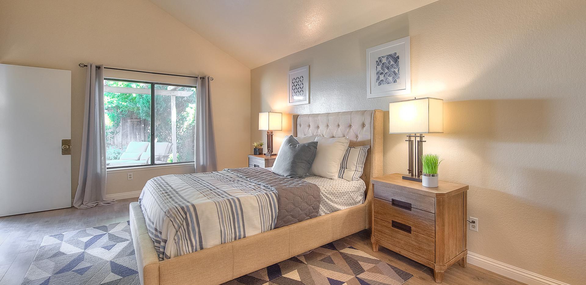 Master Bedroom (3 of 5).jpg