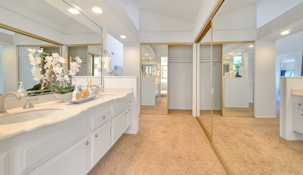Master Bathroom (4 of 8).jpg