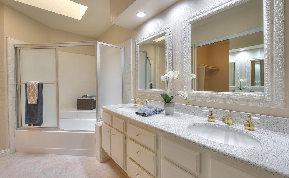 Master Bathroom (2 of 4).jpg