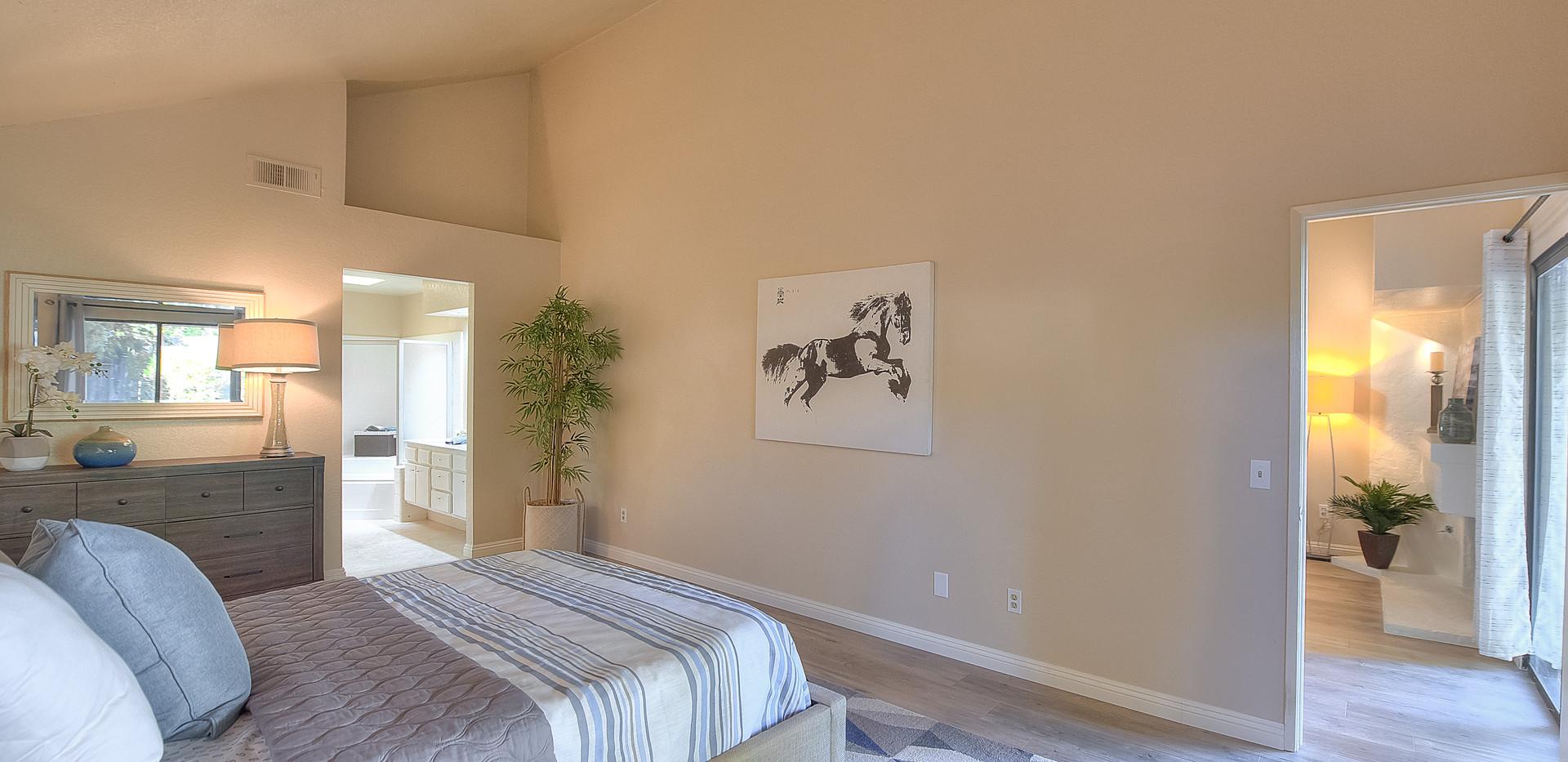 Master Bedroom (2 of 5).jpg