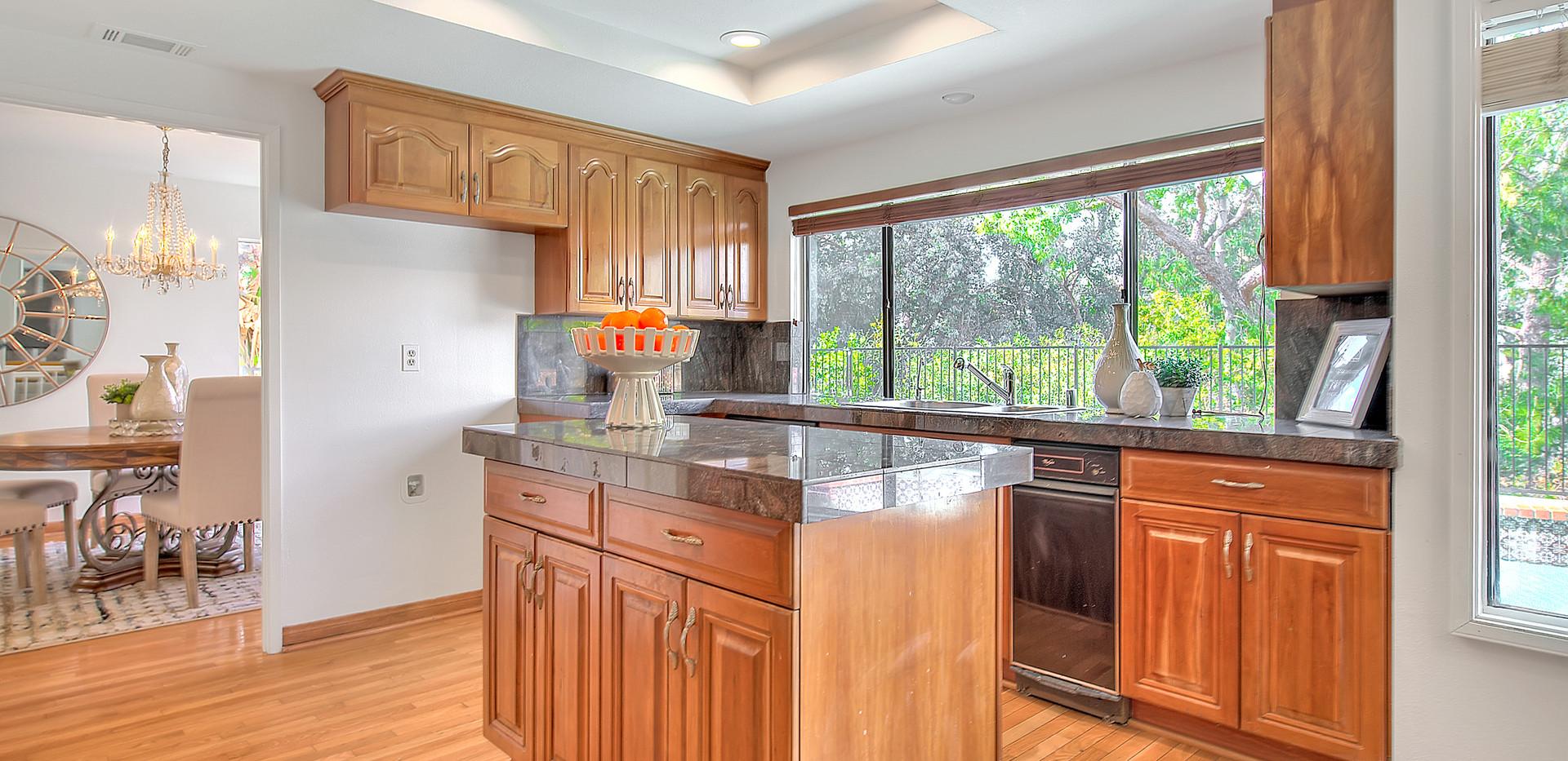 Kitchen (1 of 9).jpg