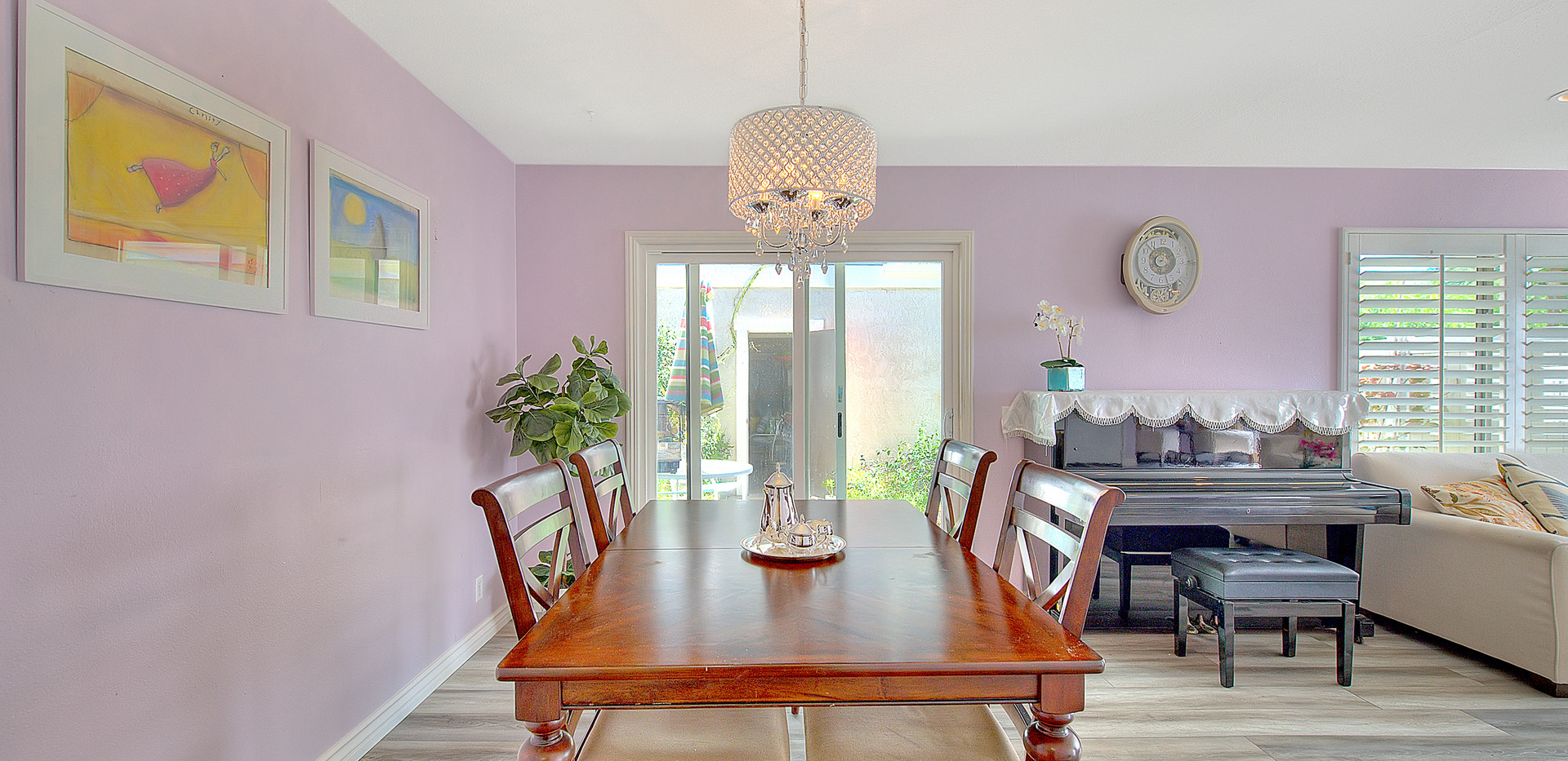 Dining Area (3 of 4).jpg