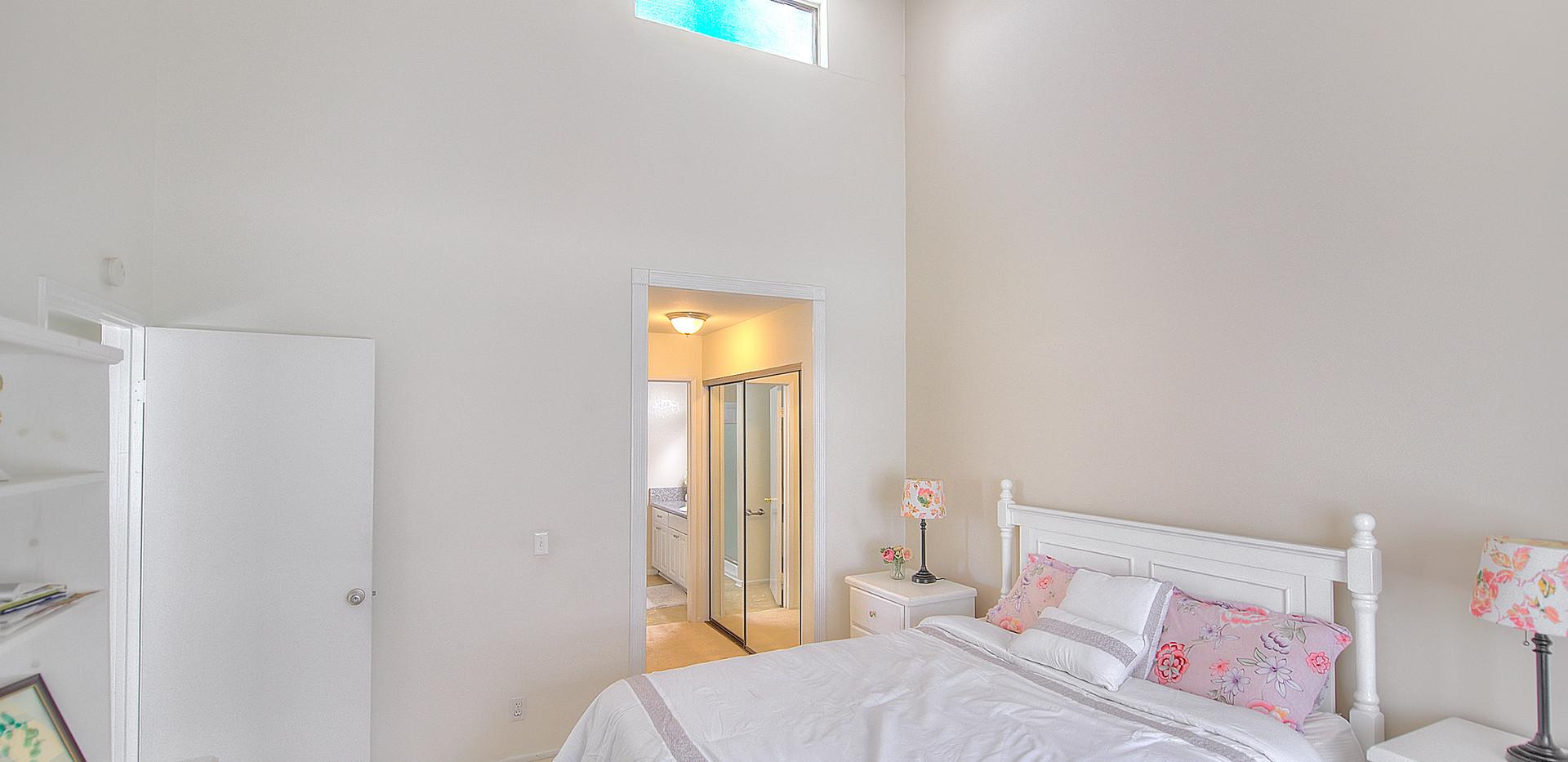 Master Bedroom (2 of 4).jpg