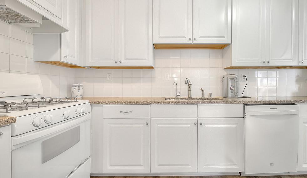 Kitchen (7 of 7).jpg