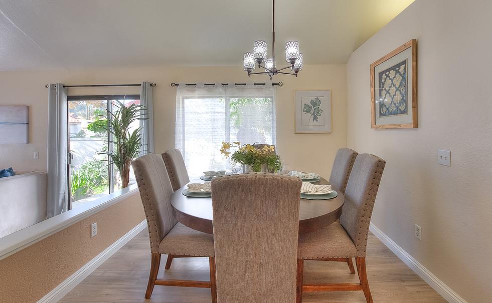 Dining Room (1 of 5).jpg
