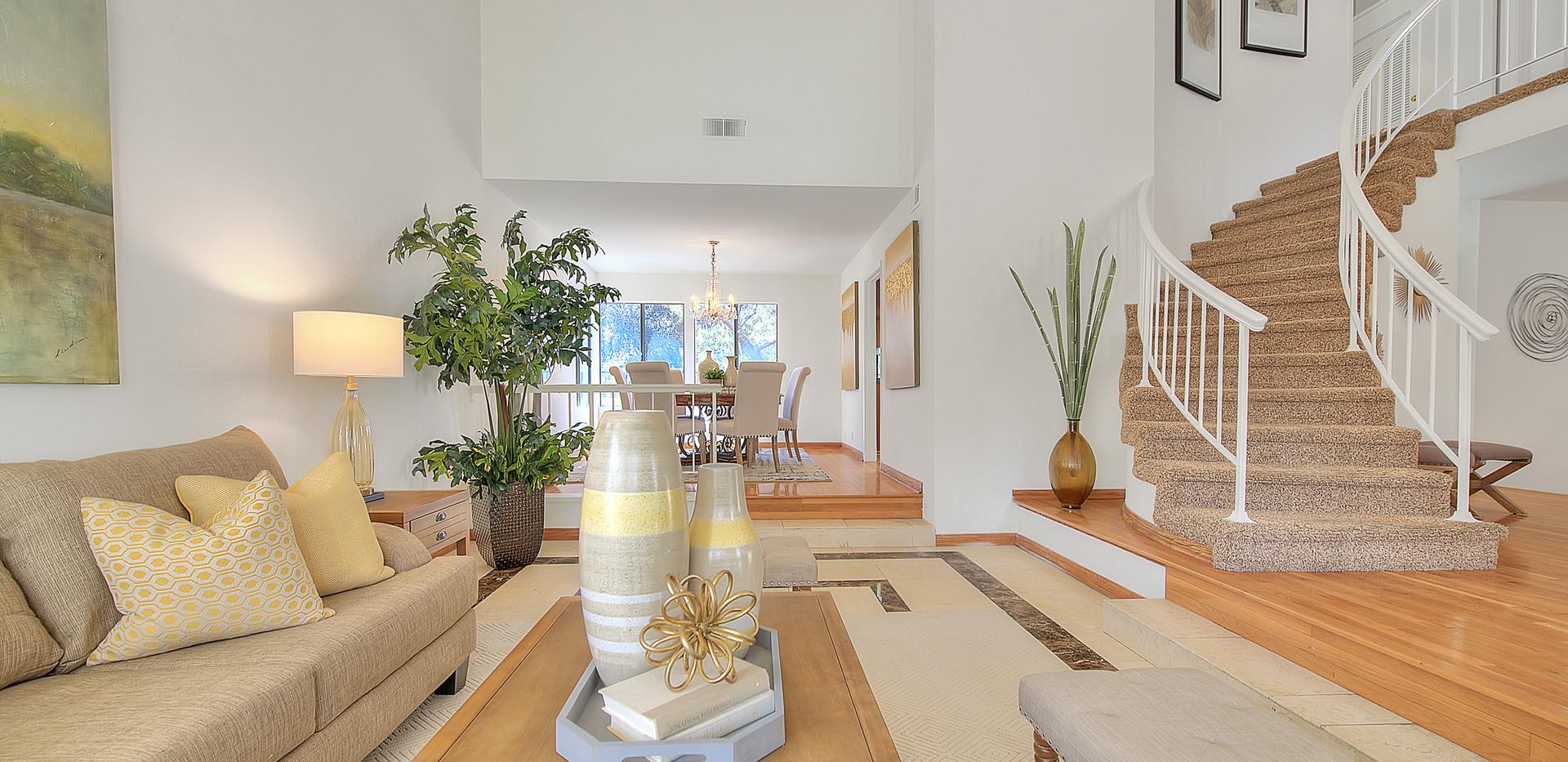 Living Room (5 of 7).jpg