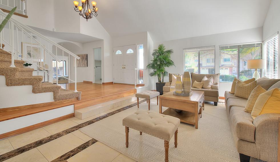 Living Room (3 of 7).jpg