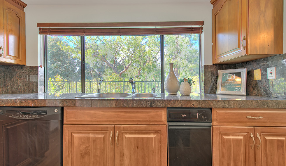 Kitchen (7 of 9).jpg