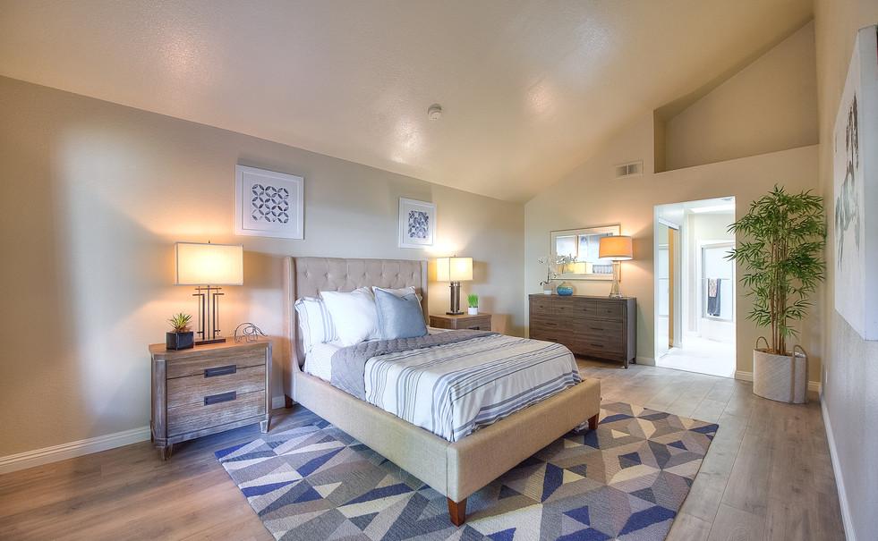 Master Bedroom (1 of 5).jpg