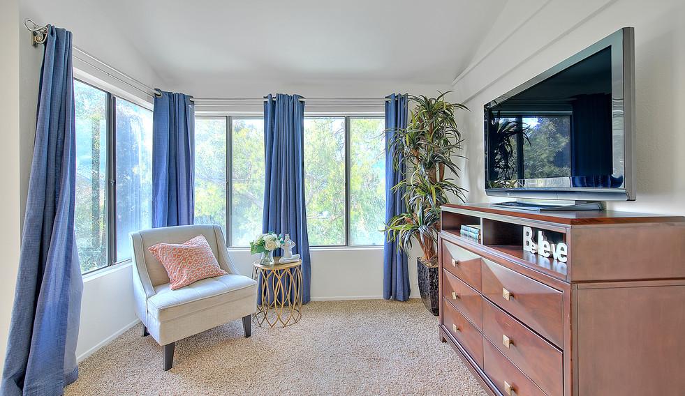 Master Bedroom (2 of 7).jpg