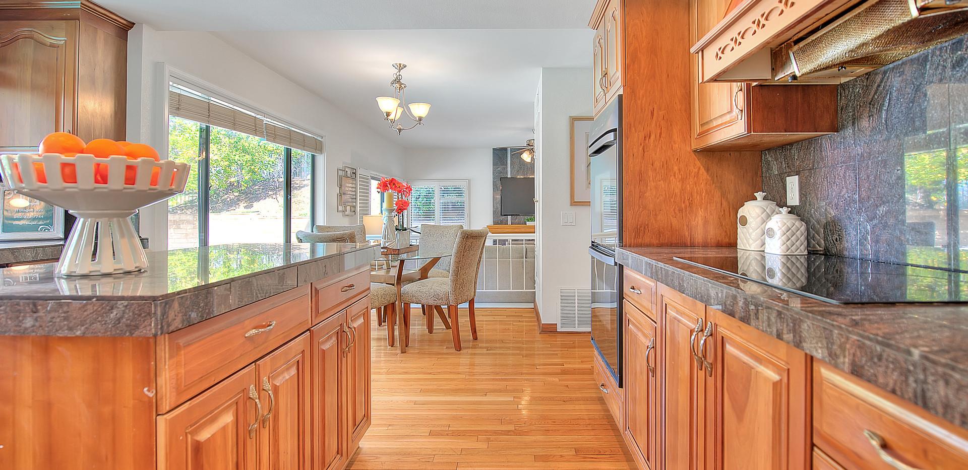 Kitchen (5 of 9).jpg