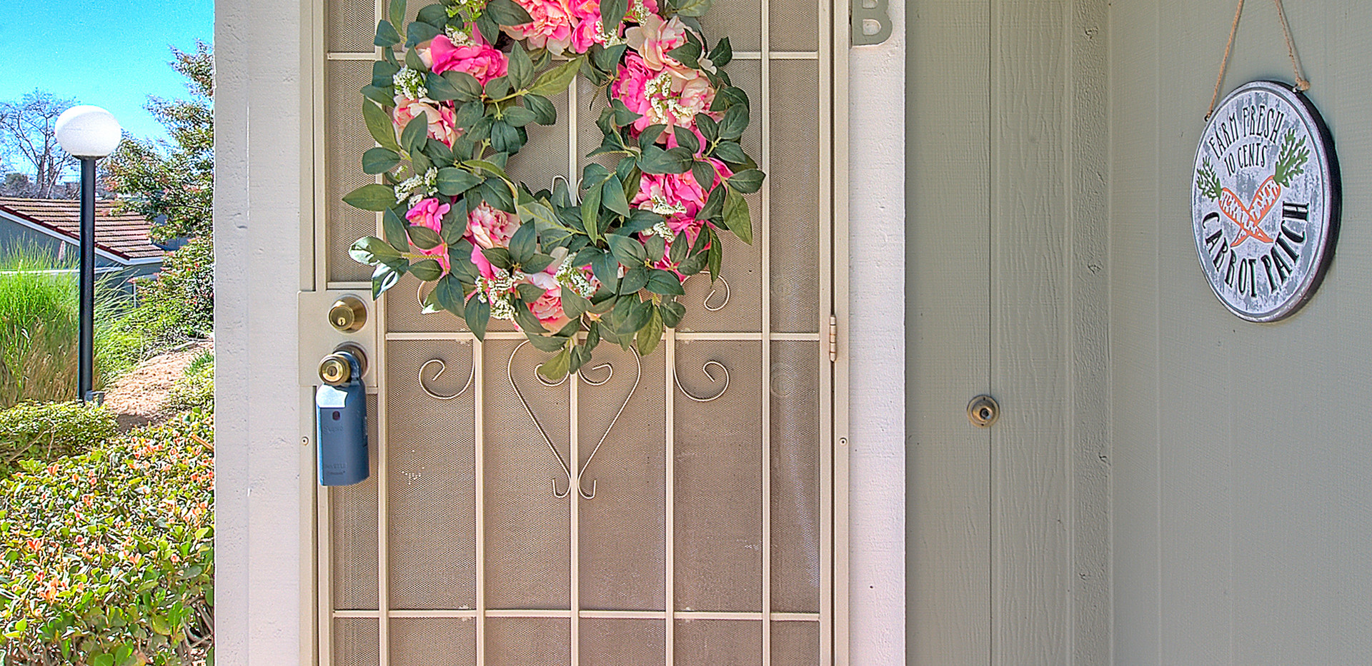 Front Entry (1 of 2).jpg