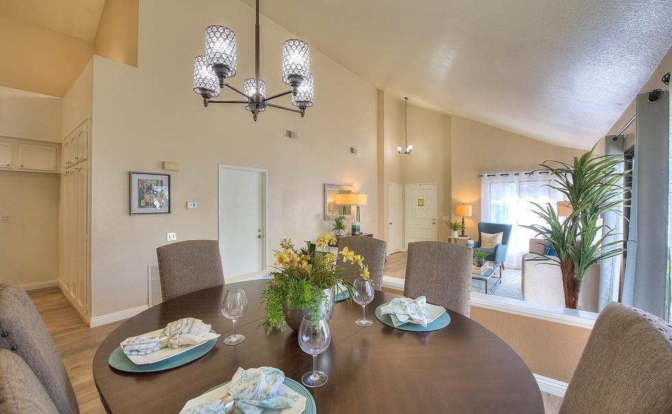 Dining Room (3 of 5).jpg