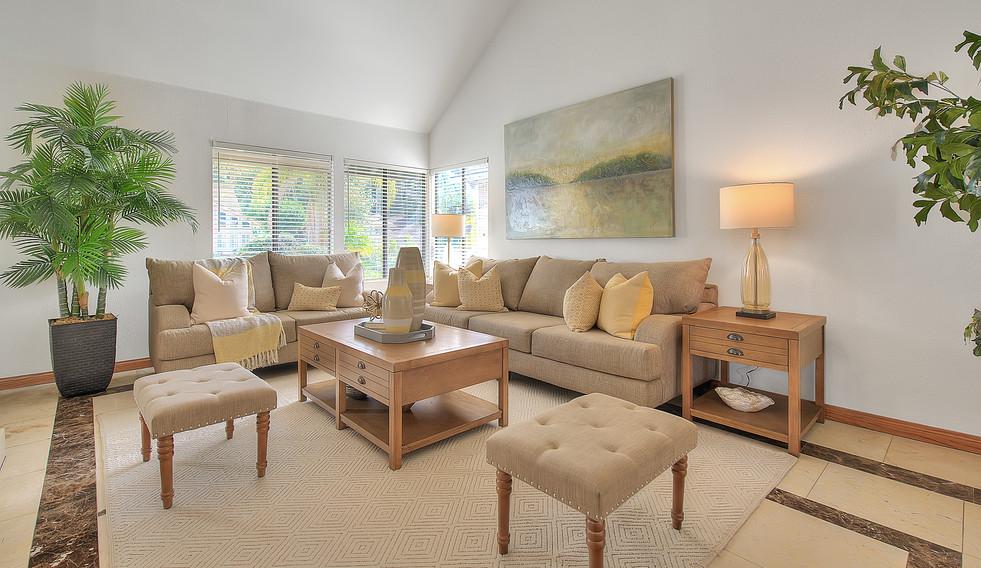Living Room (1 of 7).jpg