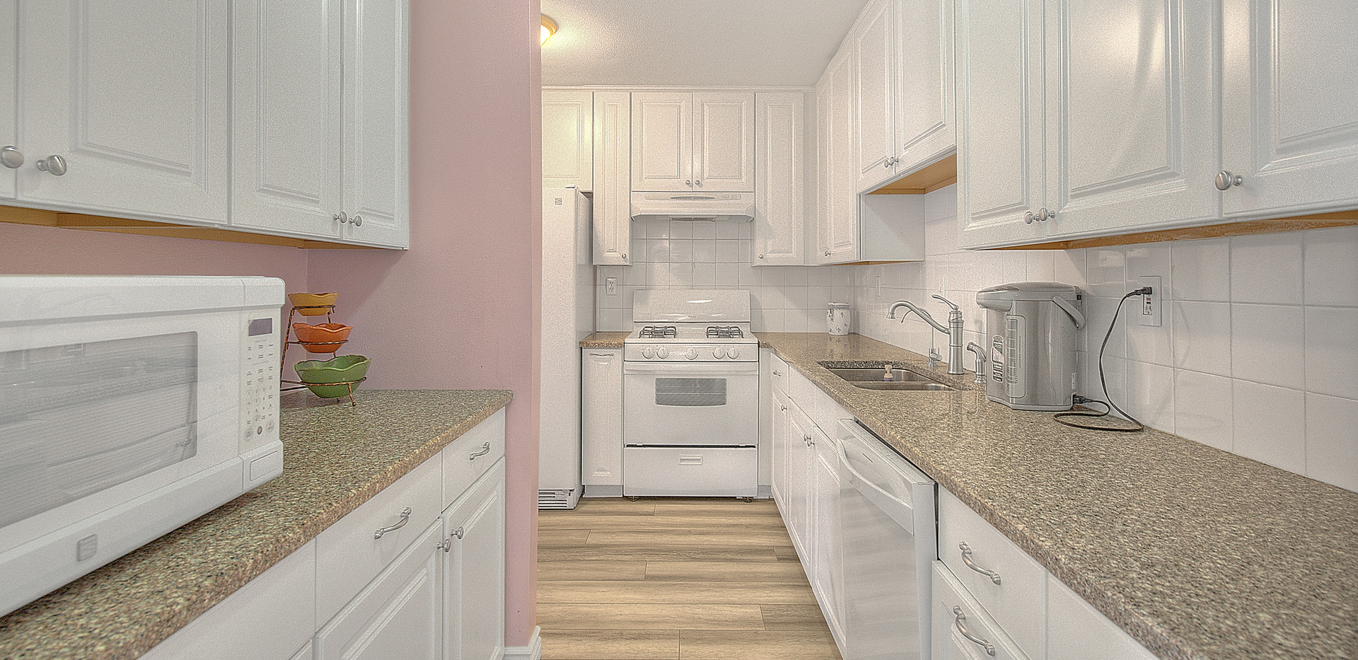 Kitchen (1 of 7).jpg
