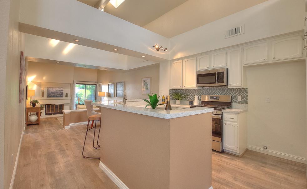 Kitchen (1 of 10).jpg