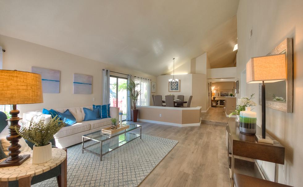Living Room (5 of 9).jpg