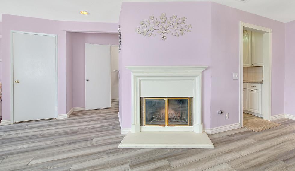 Living Room (6 of 9).jpg