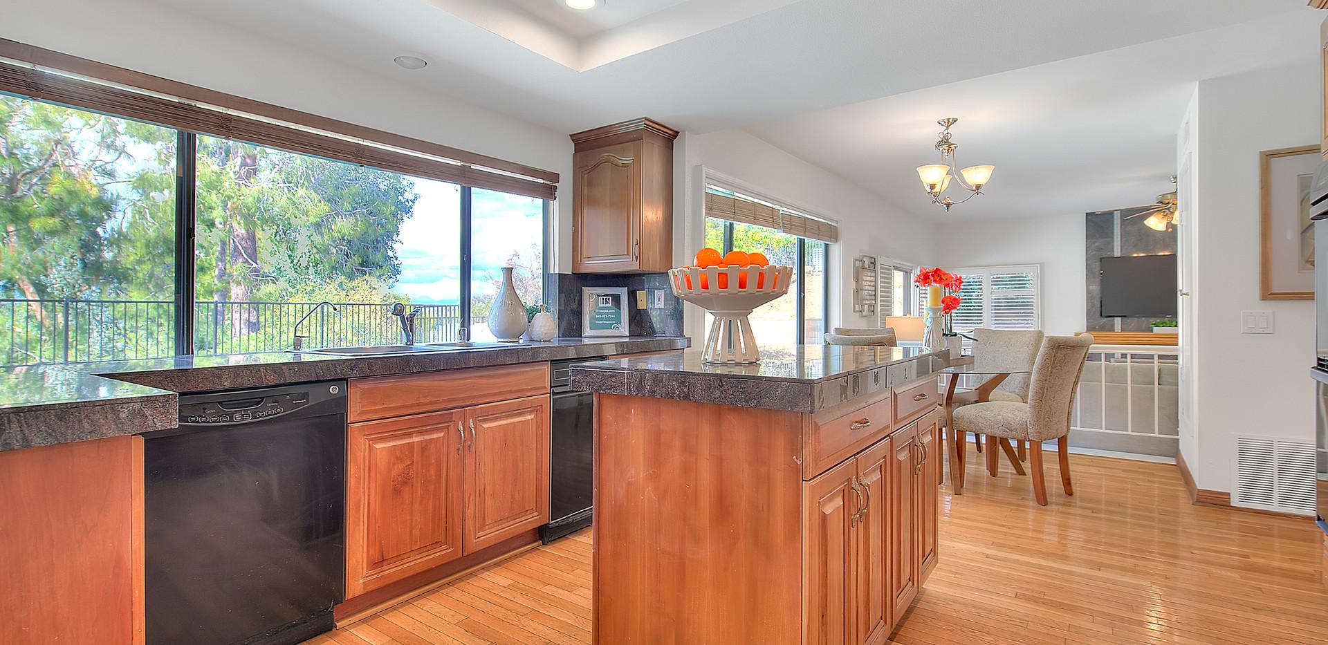 Kitchen (4 of 9).jpg
