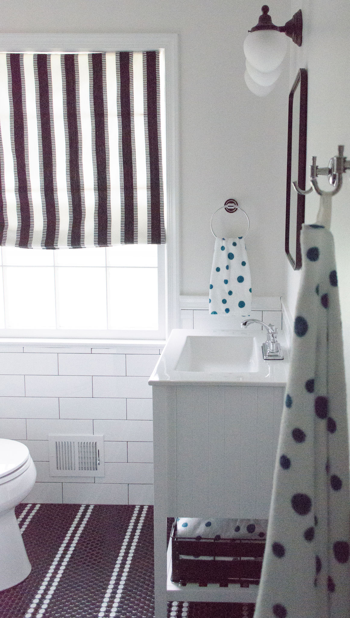 Bathroom Reveal: Black and White but not Basic