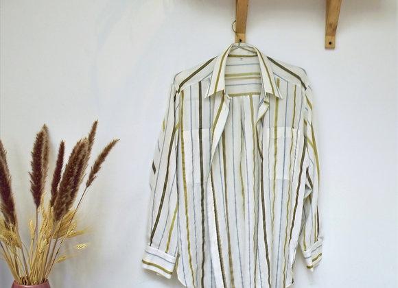 Chemise blanche à ligne verte