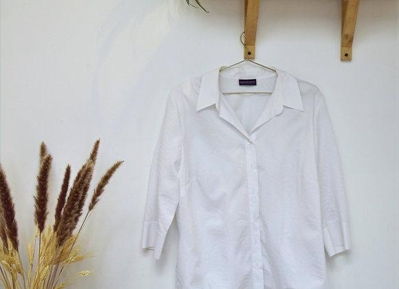 Chemise blanche à lignes