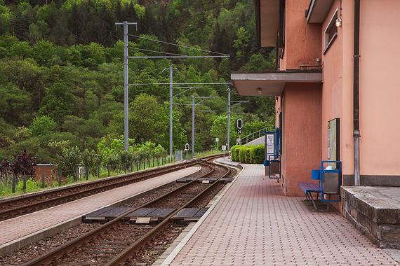 S02 - Sistemazione della piazza della stazione di Intragna