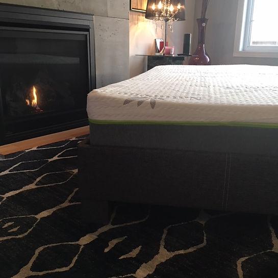 Naturelle mattress display pic4.JPG
