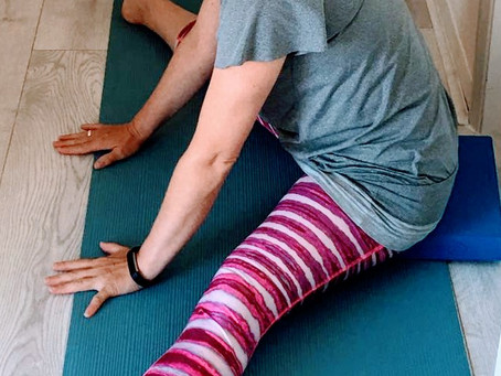 Overindulged at Christmas? A nourishing yin yoga practice for stomach and spleen