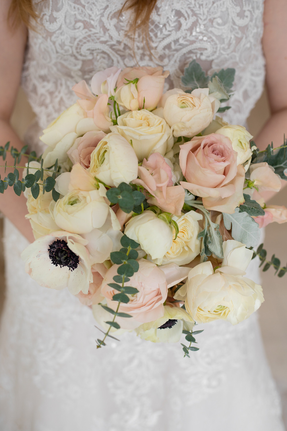 Traditional Cream & Peach Wedding Floral Bouquet | Seversky Mansion
