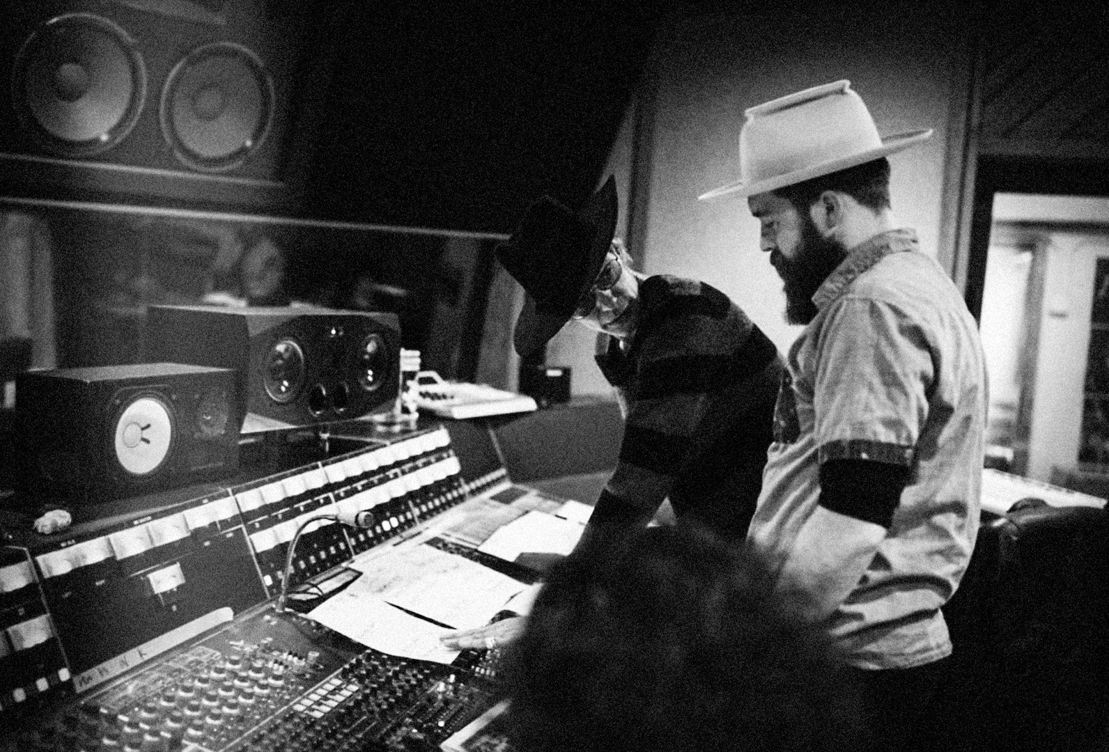 studio.shot.chsrlie.jpg