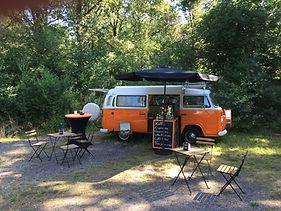 Voormalige kampeerbus omgebouwd tot koffiebus