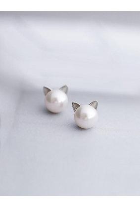 Kitty Pearl Earrings