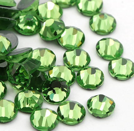 Extra Quality High Shine Crystals  Light Green 1700 pcs 6 sizes separated