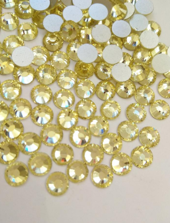 Extra Quality High shine light Yellow Crystals 1440 pcs Mixed sizes