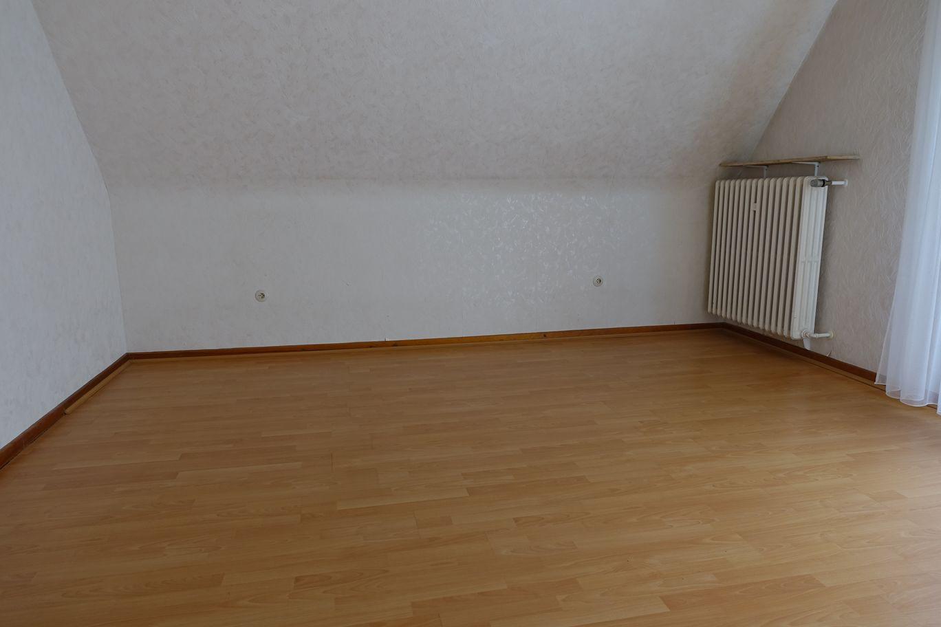 Schlafzimmer oben.JPG