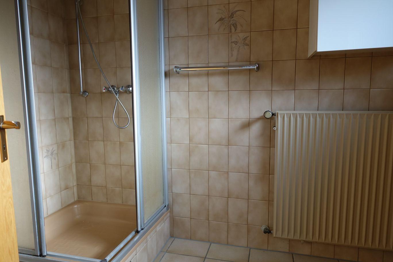 Bad mit Dusche Einliergerwohnung