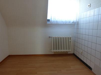 3. Zimmer oben (Küche möglich).JPG